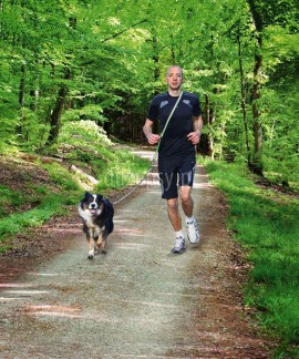 Smycz z amortyzatorem do biegania z psem Trixie 133-180 cm