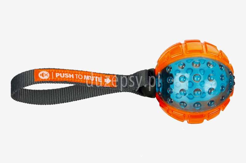 Piłka dla psa z gumy termoplastycznej z możliwością wyłączania dźwięku Trixie. Piłka gumowa dla psa, piłka dla psa trixie. wytrzymała piłka dla psa, piłka do rzucania dla psa, mocna piłka dla psa, piłka treningowa dla psa. Zabawki z gumy termoplastycznej dla psa, mocne zabawki dla psów, zabawki dla psów tanie, zabawki dla psów trixie, piłka do szkolenia psa, piłka do nauki aportowania, piłki ze sznurkiem, zabawki piszczące dla psa, piłka aportowa dla psa, mocna piłka z kolcami, mocna piłka do szkolenia psa, akcesoria dla psów sklep online, zabawki dla psów duży wybór oferuje sklep zoologiczny DuzePsy.pl